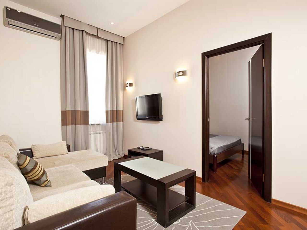 Moscow Suites Apartment Emerald